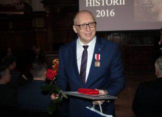 Andrzej Chmielewski z nagrodą IPN