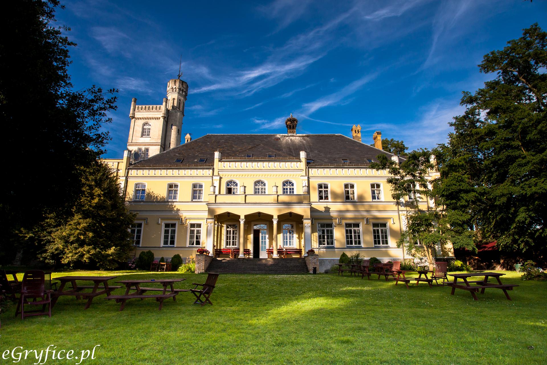 Pałac w Rybokartach