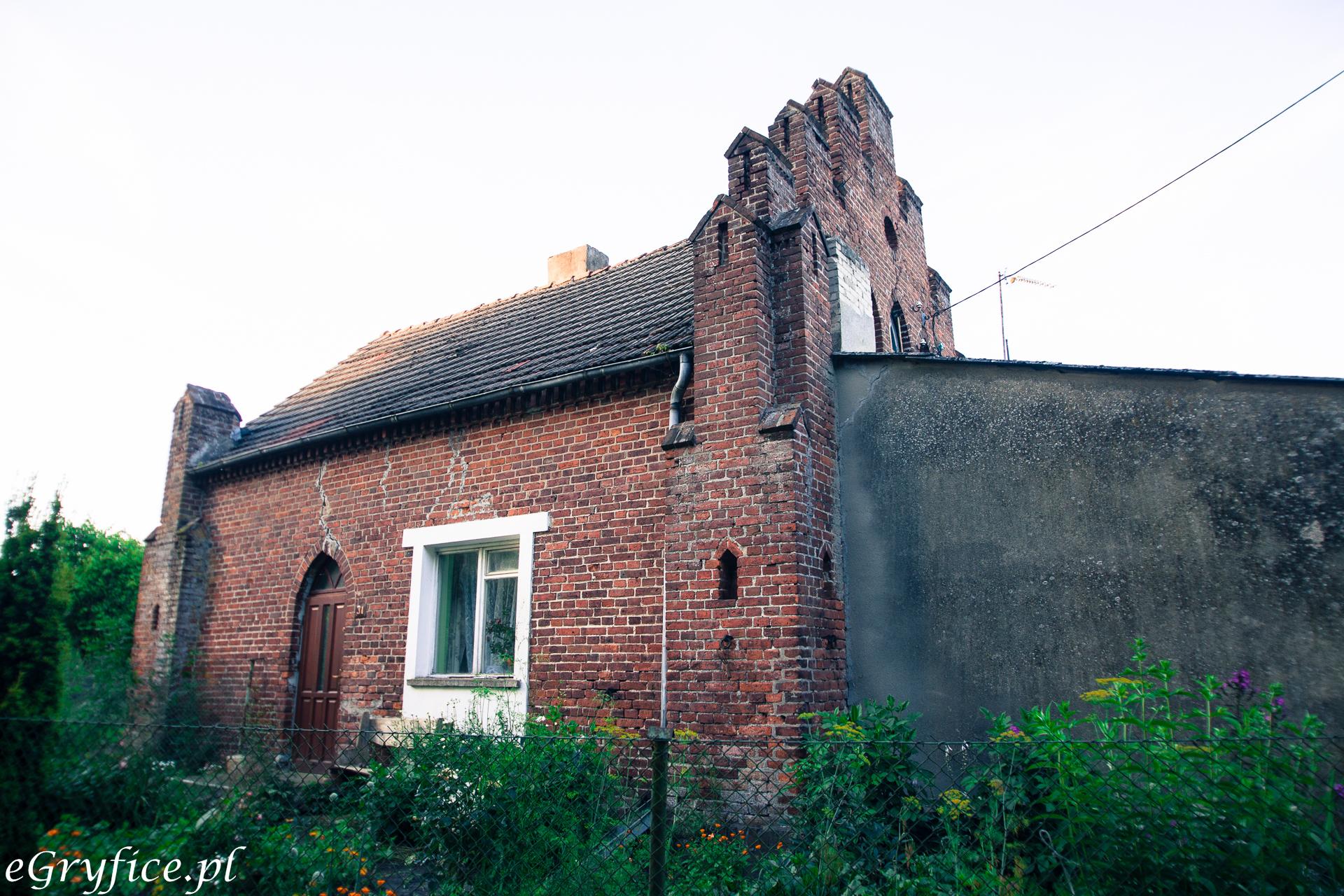 Dom uwieczniony na znanym obrazie J. Dudy-Gracza