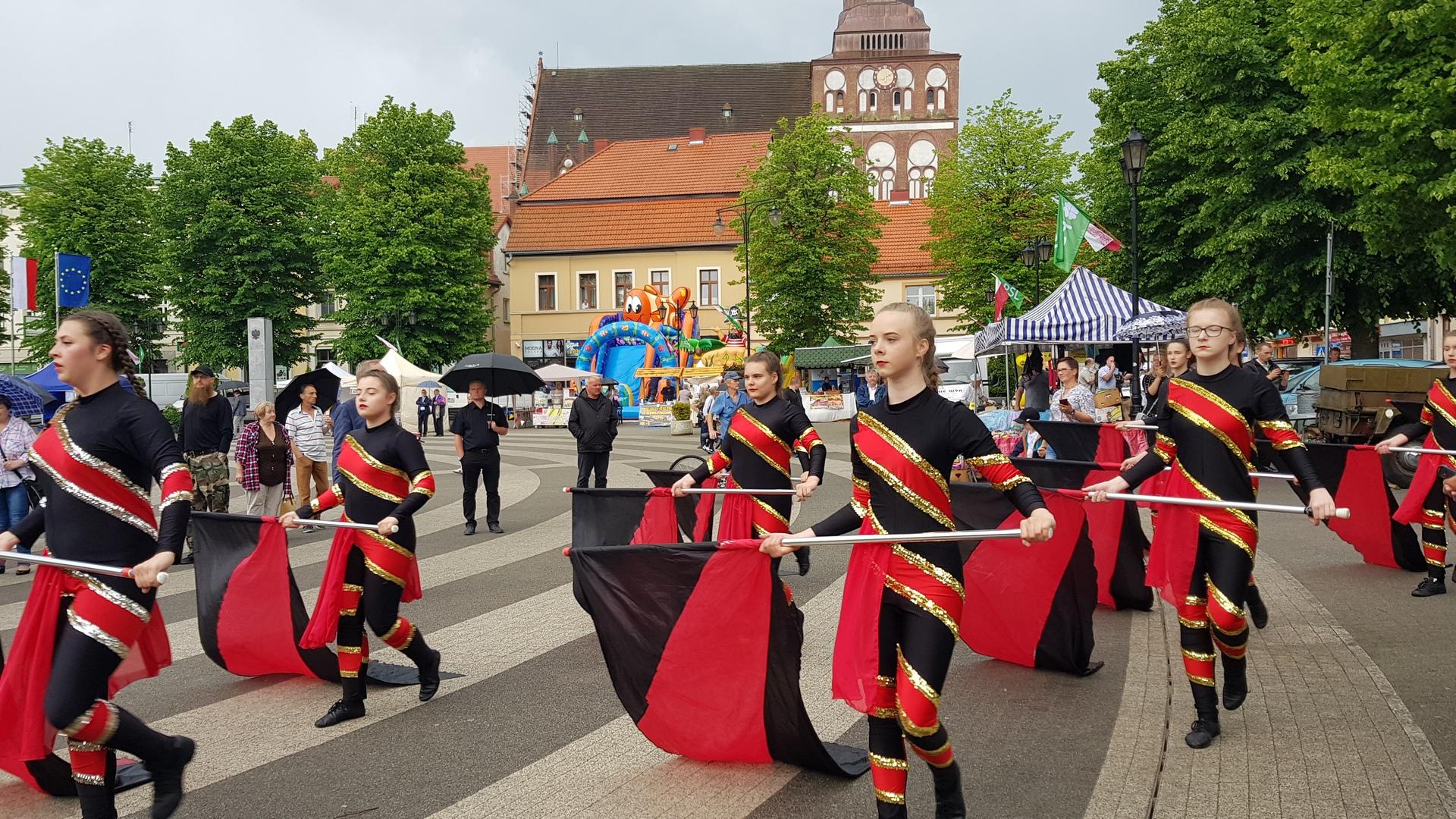 krajowe święto ludowe w Gryficach - orkiestra Red Swing Low