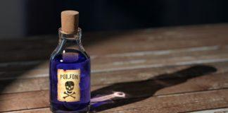butelka z trucizną - przestroga przed zażywaniem narkotyków i dopalaczy