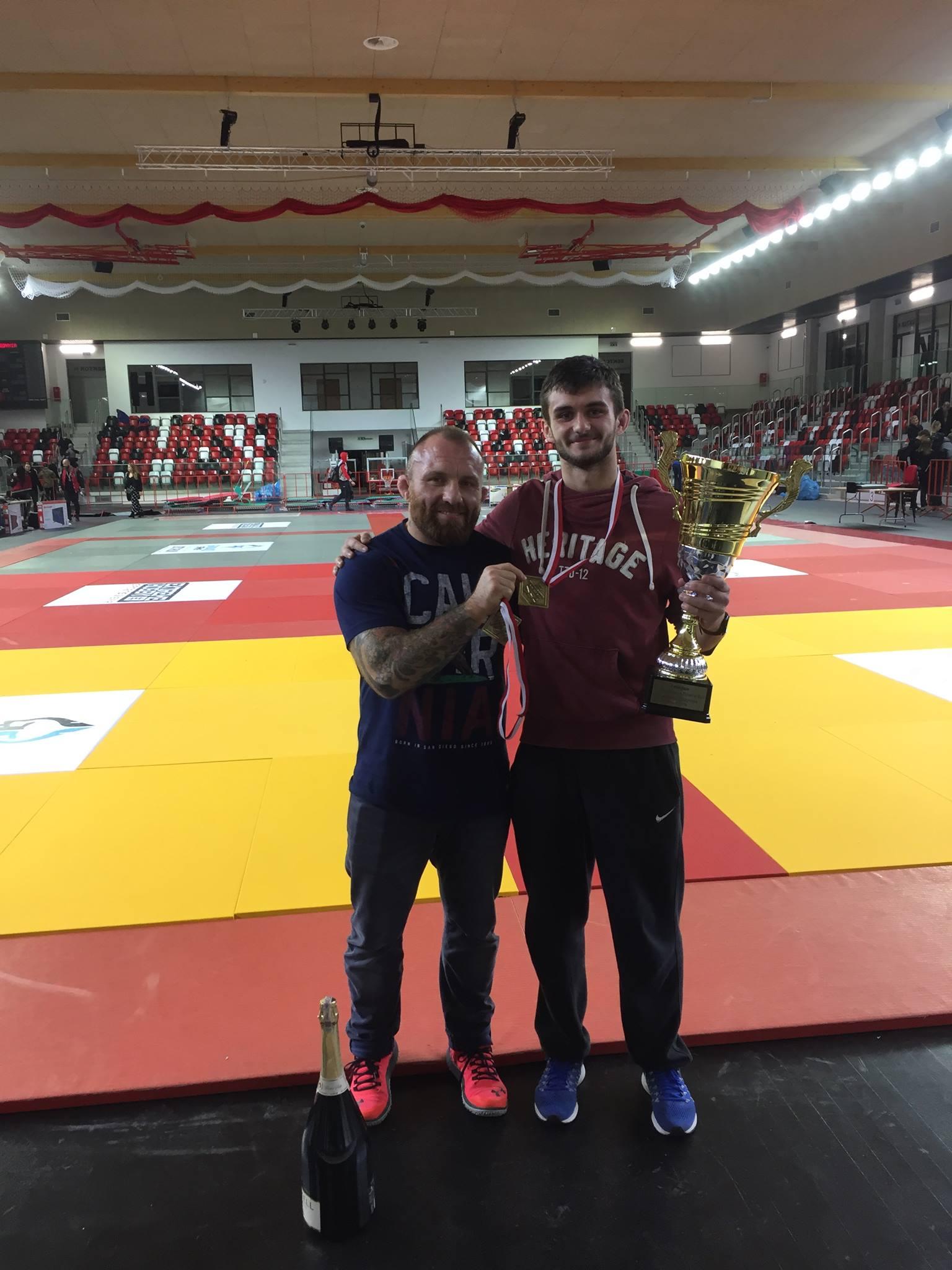 """Mateusz """"Songo"""" Binięda wywalczył złoty medal na XIV Mistrzostwach Polski w BJJ."""