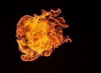 w jednym z mieszkań dwupiętrowego bloku w miejscowości Słudwia (gmina Płoty) doszło do pożaru.