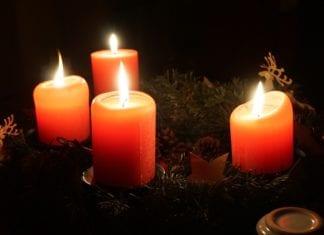 """11 stycznia o godzinie 17.00 w trzebiatowskim Pałacu odbędzie się XXIII """"Spotkanie Czterech Świec"""". Organizatorzy zapraszają wszystkich do wspólnego świętowania!"""