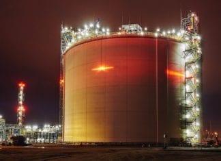 Zachodniopomorski wojewoda wydał decyzję o ustaleniu lokalizacji dla rozbudowy terminala regazyfikacyjnego skroplonego gazu ziemnego w Świnoujściu (Zachodniopomorskie) oraz decyzję na budowę infrastruktury przesyłowej LNG. Fot. Portal Gospodarczy wnp.pl