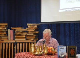W Gryficach padł rekord Polski w nieprzerwanym wspólnym czytaniu dzieł Sienkiewicza. Fot. Miejska Biblioteka Publiczna w Gryficach.
