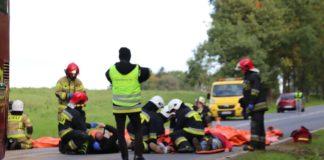 Ćwiczenia strażaków na drodze koło Słudwi. Fot. Marcin Gręda.