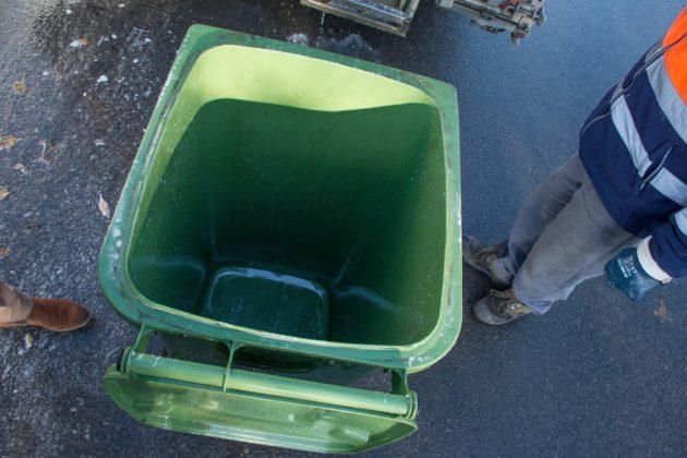 czyszczenie pojemników w Gminie Rewal