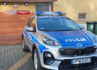 nowe auto w komisariacie w Rewalu
