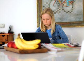 dziecko komputer