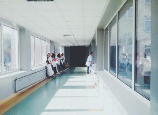 pielęgniarka lekarz szpital