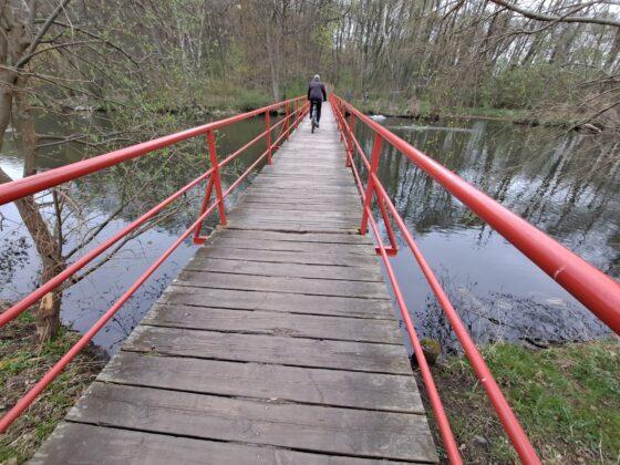 czerwony mostek