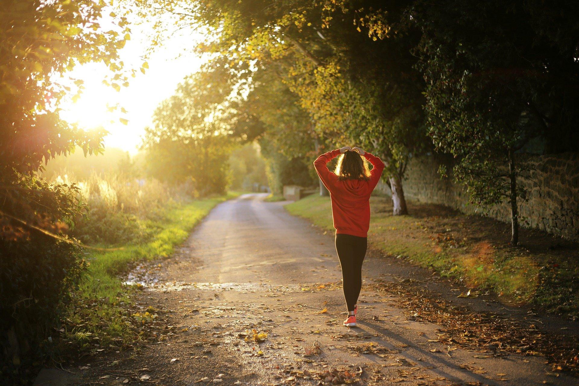 Światło wschodzącego i zachodzącego słońca ma dobroczynny wpływ na jakość naszego snu