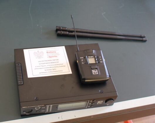 zestaw bezprzewodowy z nadajnikiem oraz mikrofonem tok